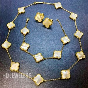Mother Of Pearl 18K Gold Four Leaf Clover Full Set